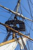 Calage d'un bateau grand. image stock