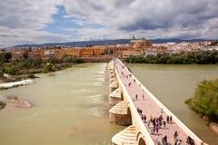 Calahorra Toren en de Roman brug Cordova spanje royalty-vrije stock afbeeldingen