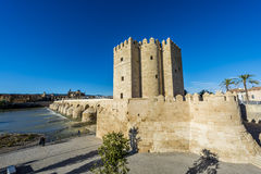 Calahorra torn i Cordoba, Andalusia, Spanien Arkivbilder