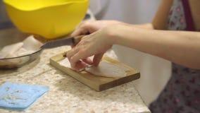 Calamar cocinado pelado cortado metrajes
