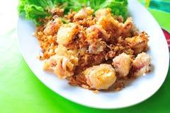Calamar fritado no alimento de mar da luz suave Fotografia de Stock Royalty Free