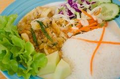 Calamar fritado Stir com yolk de ovo salgado fotografia de stock