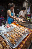 Calamares grelhados no mercado de Koh Chang Fotografia de Stock Royalty Free