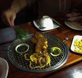 Calamaro del BBQ, HCMC, Vietnam immagini stock