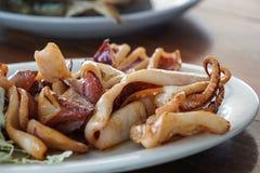Calamaro dell'aglio fritto stile tailandese delizioso fotografia stock libera da diritti