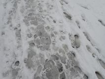 Calamité de neige dans une rue de ville photo stock