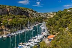 Calanque de Порт Miou - фьорд около Cassis Франции стоковое изображение rf