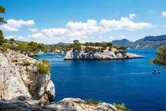 Calanques del Pin del puerto en la casis, Provence, Francia imágenes de archivo libres de regalías