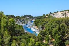 Calanques do Pin do porto no cássis, Provence, França Fotografia de Stock