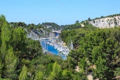 Calanques do Pin do porto no cássis, Provence, França Foto de Stock