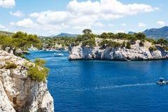 Calanques do Pin do porto no cássis, Provence, França Imagens de Stock