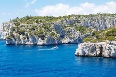 Calanques do Pin do porto no cássis, Provence, França Imagens de Stock Royalty Free
