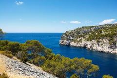 Calanques do Pin do porto no cássis, Provence, França Fotos de Stock Royalty Free