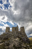 Calascio Festung auf dem Apennines stockfoto
