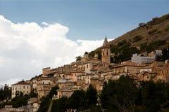Calascio i Abruzzo (Italien) Royaltyfri Foto
