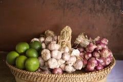 Calce e cipolla fresche, aglio Fotografie Stock