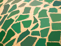 Calcestruzzo beige e pezzi ceramici verdi Immagine Stock Libera da Diritti
