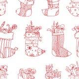 Calcetines del rojo de la Navidad Medias estilizadas Sistema de medias decorativas de la Navidad con los ornamentos Feliz Navidad ilustración del vector