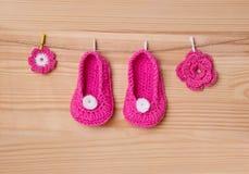 Calcetines hechos a mano del bebé Imagenes de archivo
