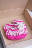 Calcetines hechos a mano del bebé Fotografía de archivo libre de regalías