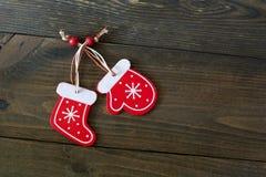 Calcetines y manoplas de la Navidad Imagen de archivo libre de regalías