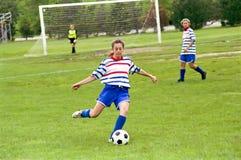 Calciatori femminili della gioventù Fotografia Stock