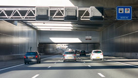 Calcina l'aquedotto sulla strada principale A4, Leiderdorp, Paesi Bassi Fotografia Stock Libera da Diritti