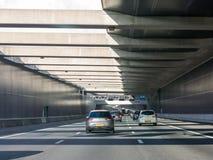 Calcina l'aquedotto sulla strada principale A4, Leiderdorp, Paesi Bassi Fotografia Stock