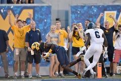 2015 calcio del NCAA - GA @ WVU del sud Immagini Stock Libere da Diritti