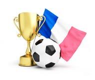 Calcio 2016 della Francia, tazza del trofeo dell'oro e bandiera della Francia Fotografie Stock Libere da Diritti