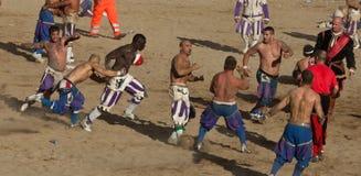 calcio fiorentino佛罗伦丁的比赛反撞力 库存照片