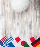 Calcio: Fondo multinazionale della bandiera per Competi internazionale fotografie stock
