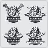 Calcio, lacrosse, baseball e logos ed etichette dell'hockey Emblemi del club di sport con il pirata illustrazione di stock