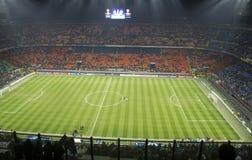 Calcio nello stadio del San Siro a Milano Immagine Stock