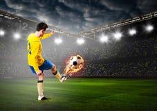 Calcio o giocatore di football americano fotografie stock libere da diritti