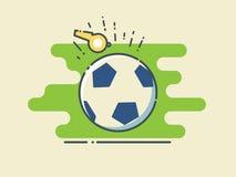 Calcio/pallone da calcio sul campo verde stilizzato con l'arbitro giallo Whistle Fotografia Stock Libera da Diritti