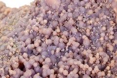 Calcita de piedra macra del cobalto mineral en el fondo blanco fotos de archivo libres de regalías