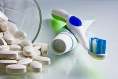 calciumtandborstetoothpaste Fotografering för Bildbyråer