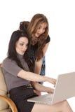Calcolatore delle donne di affari eccitato Fotografie Stock