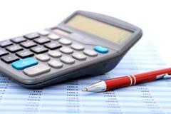 Calcolatore e penna. immagini stock