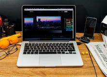 Calcolatori Apple agli ultimi annunci di WWDC di iMac pro fotografia stock