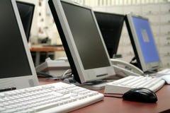 Calcolatori di ufficio fotografie stock libere da diritti