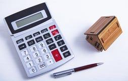 Calculadora da casa de apartamento fotos de stock royalty free