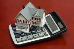 Calculadora de la hipoteca Fotos de archivo libres de regalías