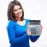 Calculadora digital del asimiento de la mujer joven Blanco modelo sonriente femenino Imagen de archivo