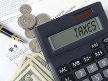 Calculadora do imposto Imagens de Stock Royalty Free