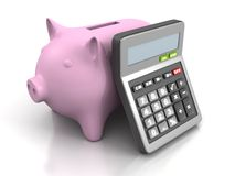 A calculadora e o dinheiro leitão depositam no fundo branco Fotos de Stock Royalty Free