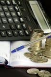 Calculadora e prata imagens de stock royalty free
