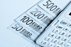 Calculadora, notas de banco dos euro Fotografia de Stock