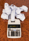 Calculadora para los costes, costos, réditos y Fotos de archivo libres de regalías